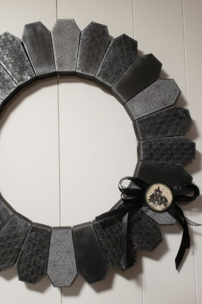 Halloween wreath made with Stampin' Up! coffin boxes